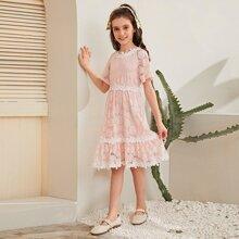 Maedchen Kleid mit 3D Applikation und Spitzen