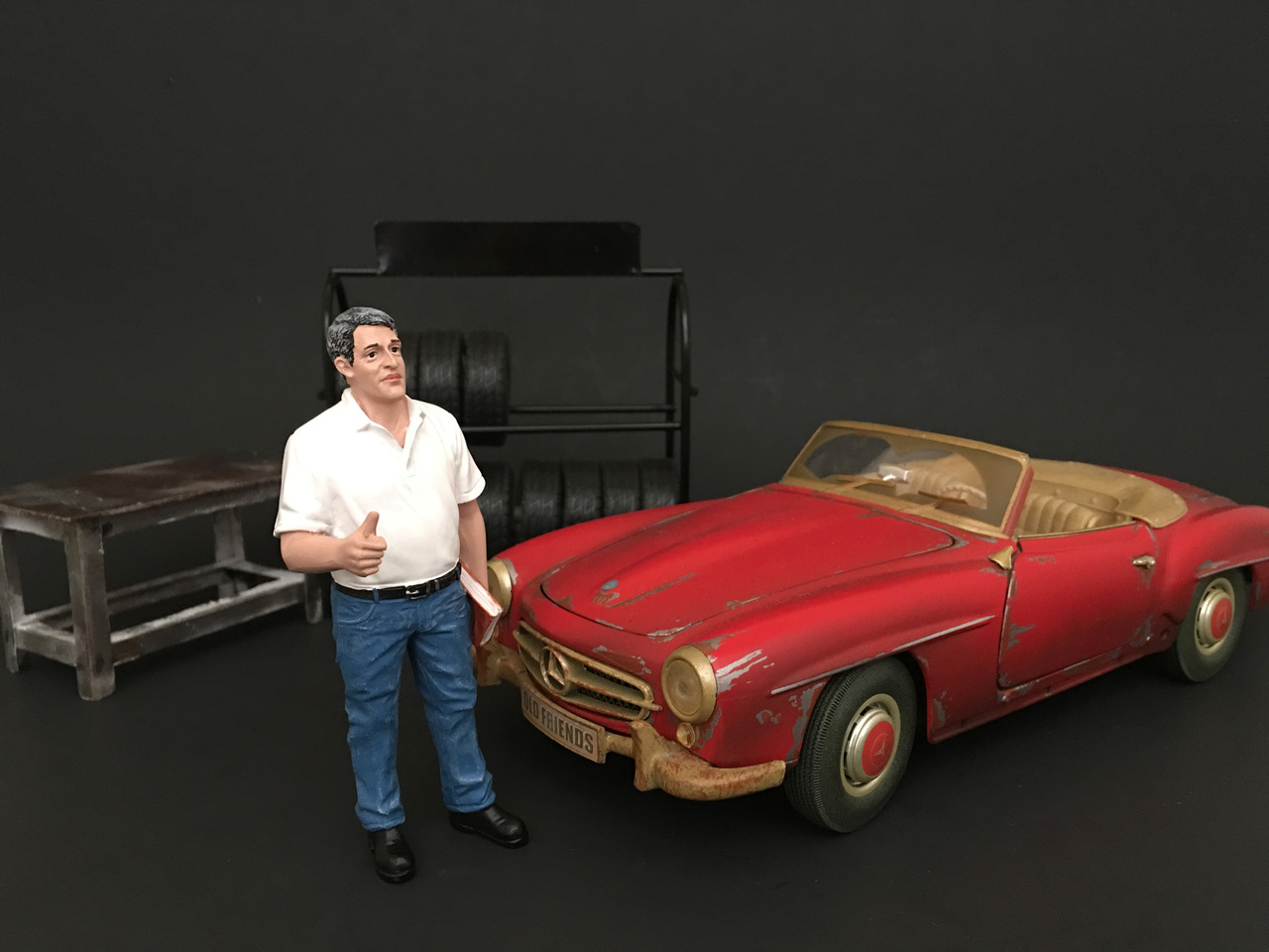 Mechanic Manager Tim Figure For 124 Scale Models by American Diorama