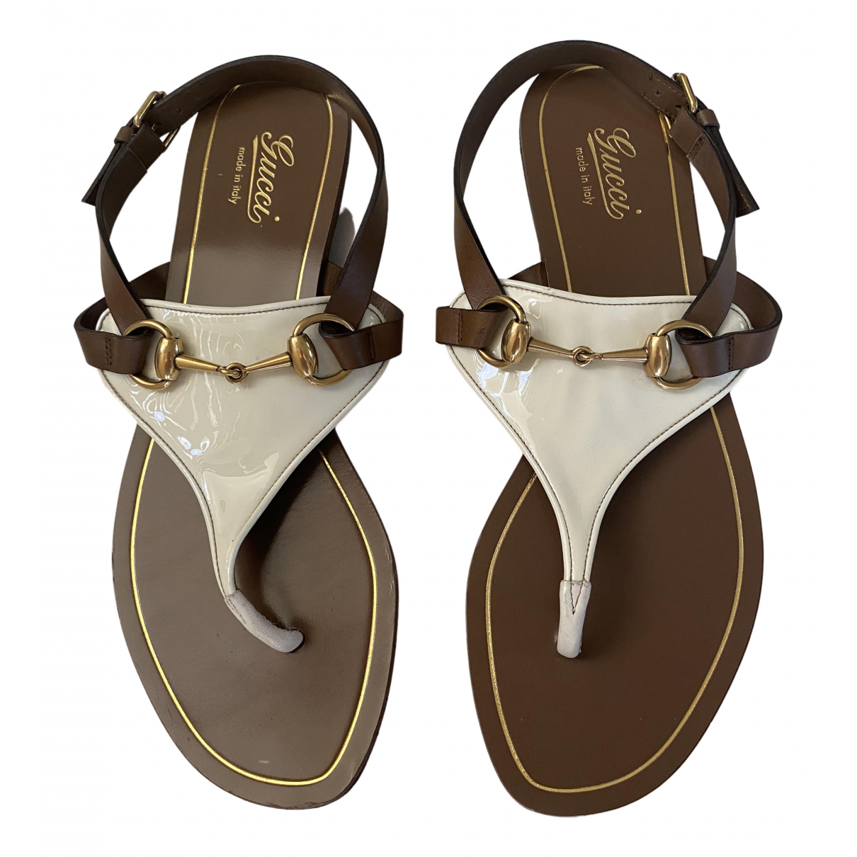 Gucci \N Sandalen in  Beige Lackleder
