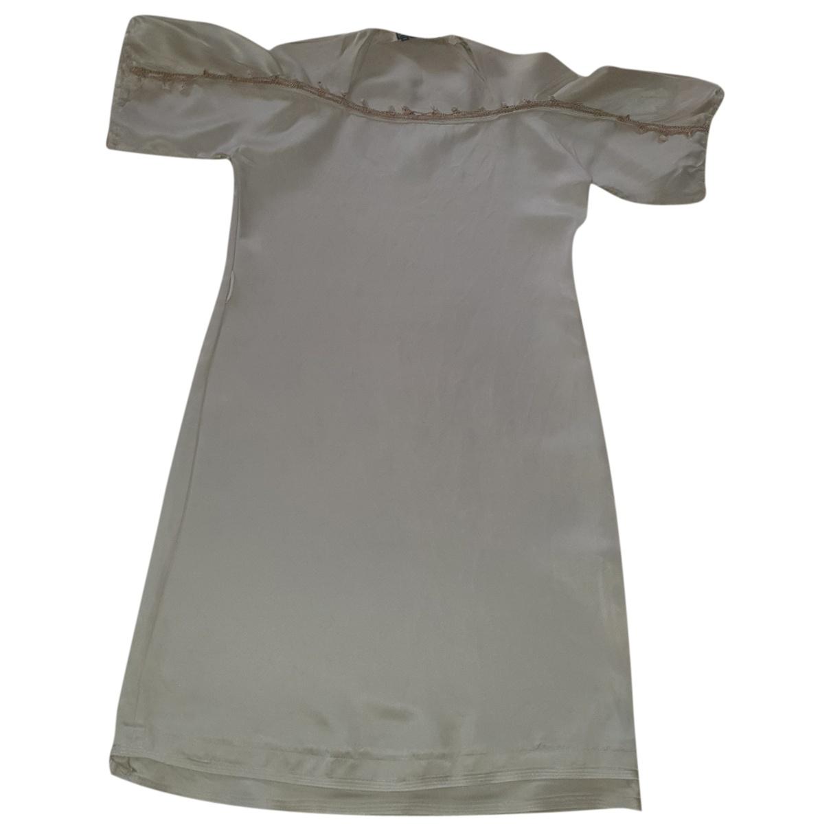 Salvatore Ferragamo \N Beige Silk dress for Women 42 IT