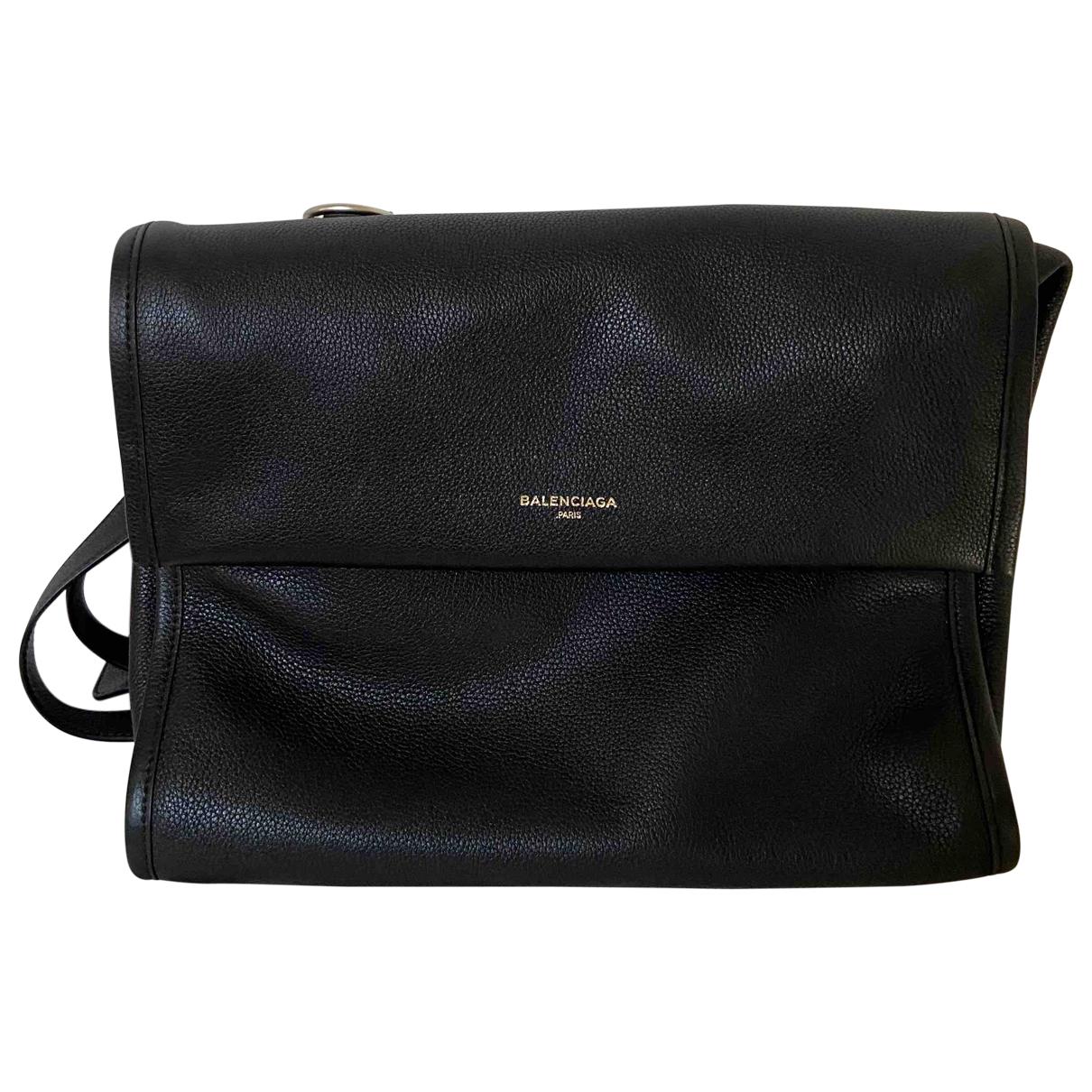 Balenciaga \N Handtasche in  Schwarz Leder