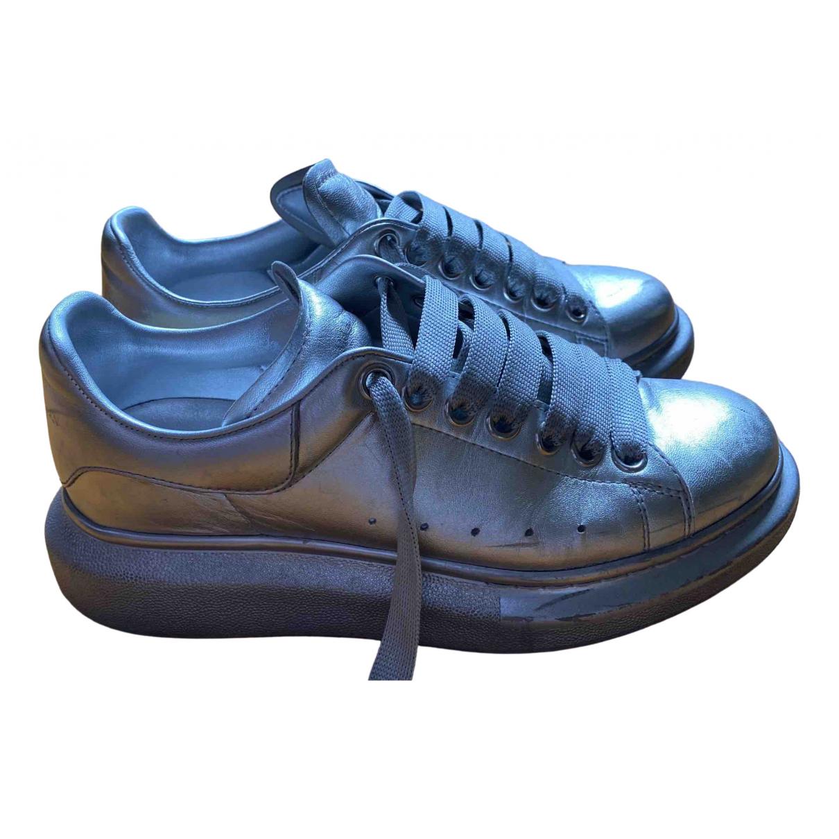 Alexander Mcqueen Oversize Sneakers in  Silber Leder