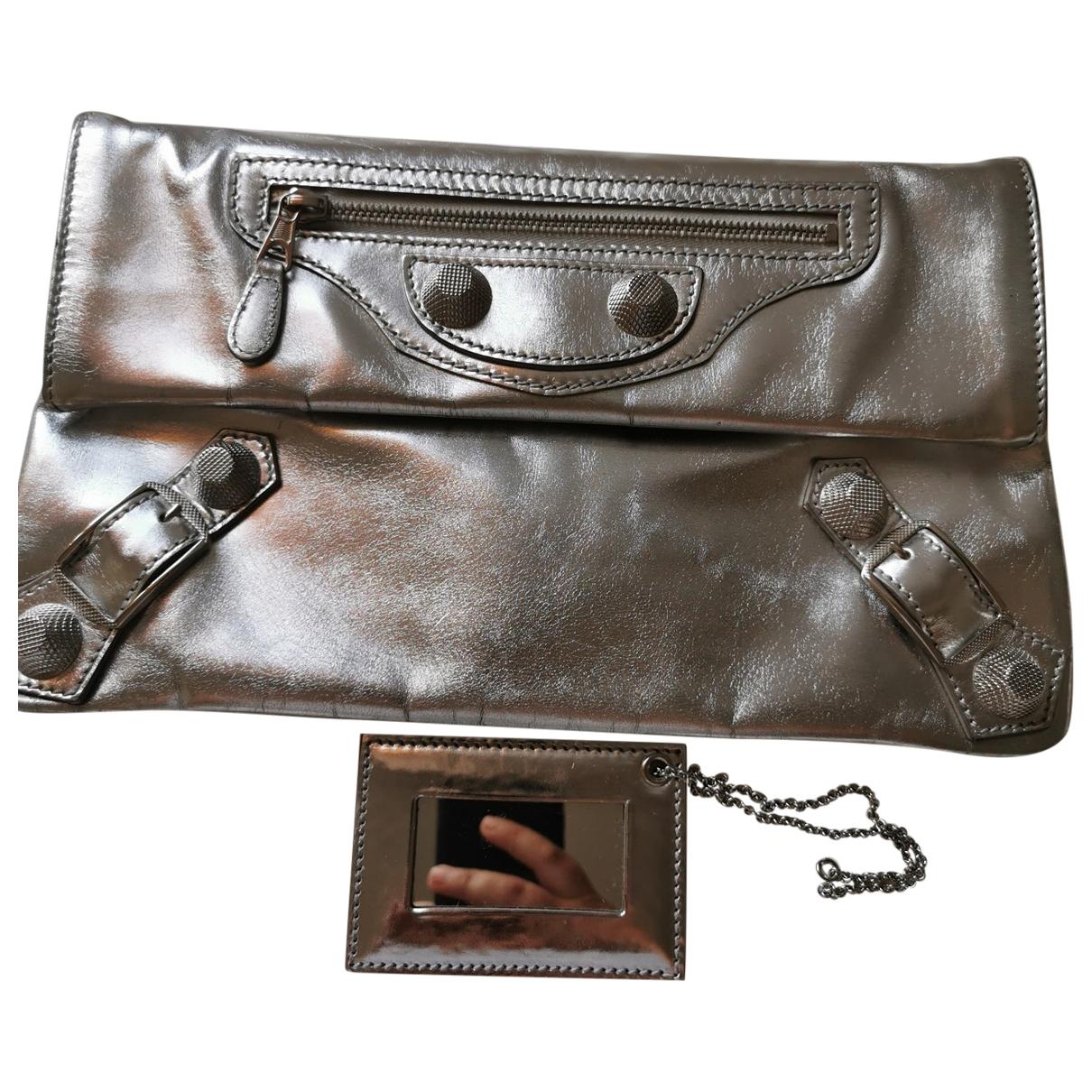 Balenciaga Envelop Clutch in  Metallic Metall