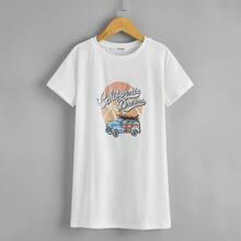 Vestido camiseta con estampado de letra y coche