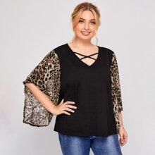 Bluse mit Kontrast Leopard Muster an Ärmeln und Kreuzgurt