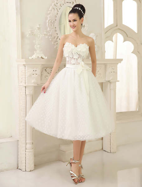 Milanoo High Quality Ivory Sweetheart Neck Tea-Length Flower Embellishment Tulle Wedding Dress For Bride with Bowknot