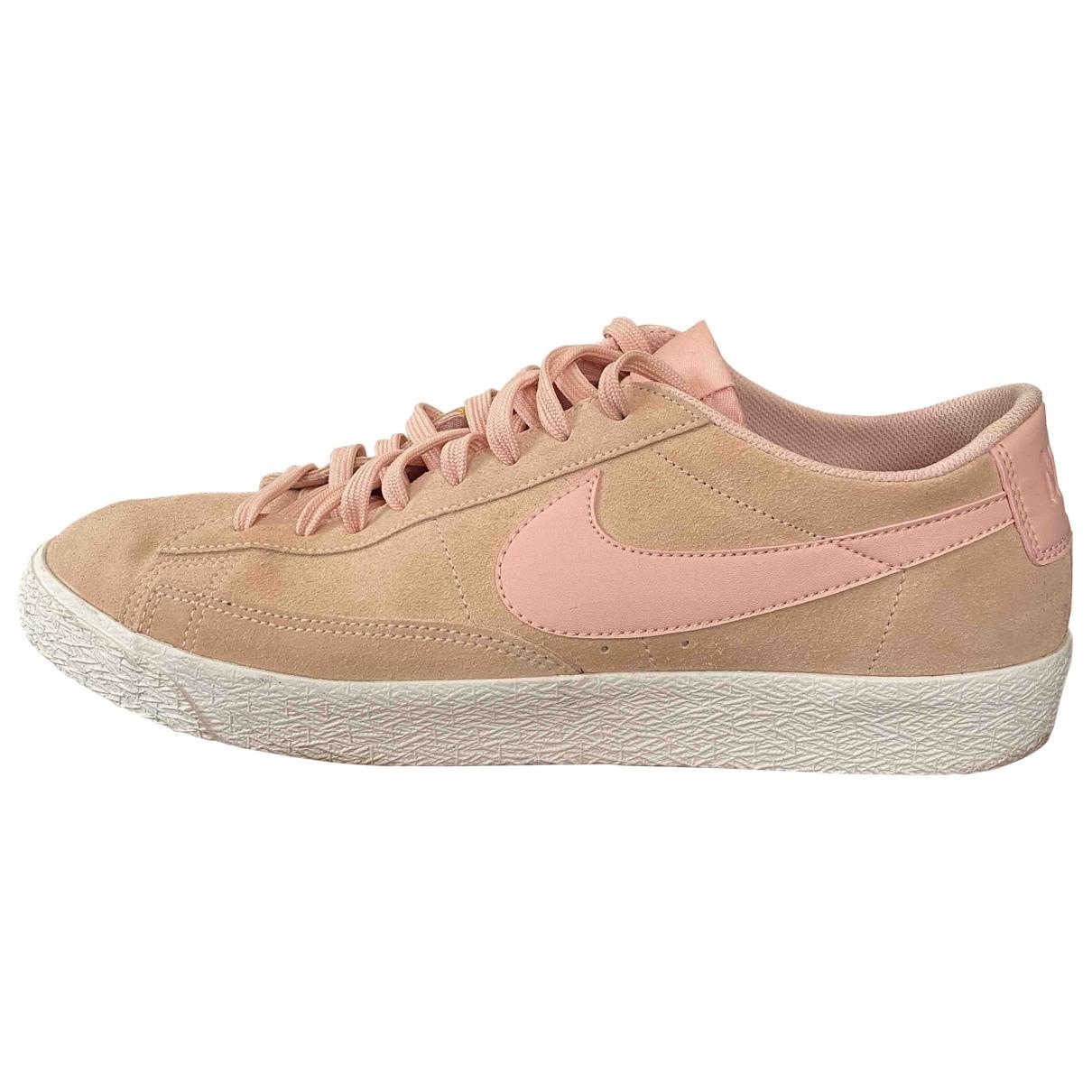 Nike Blazer Sneakers in  Rosa Veloursleder