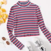 Camiseta de rayas tejida de canale de cuello alto