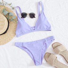 Bikini Badeanzug mit Ausschnitt Detail