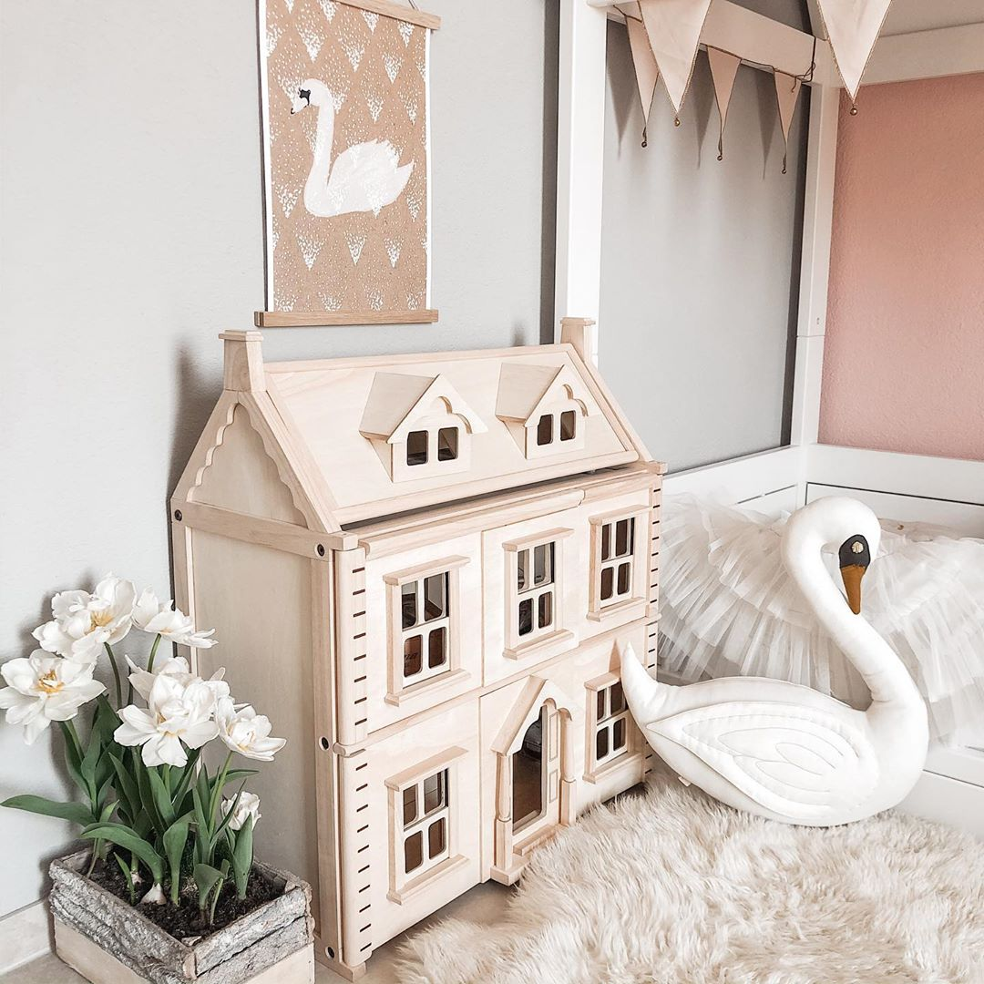 PlanToys Victorian Dollhouse