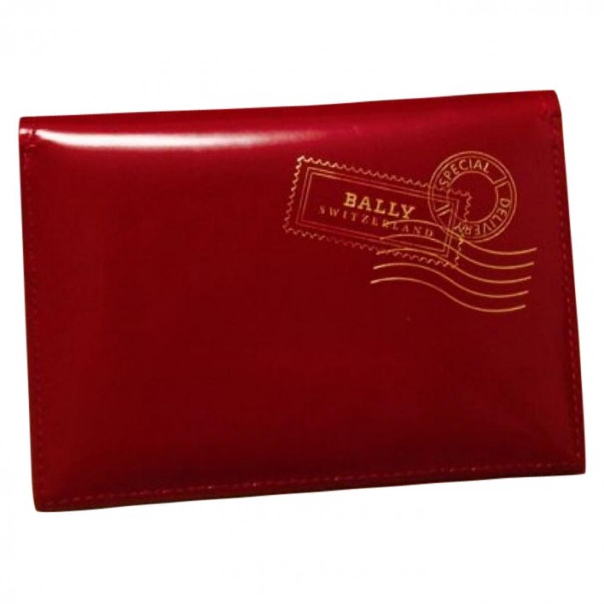 Bally - Portefeuille   pour femme en cuir verni - rouge