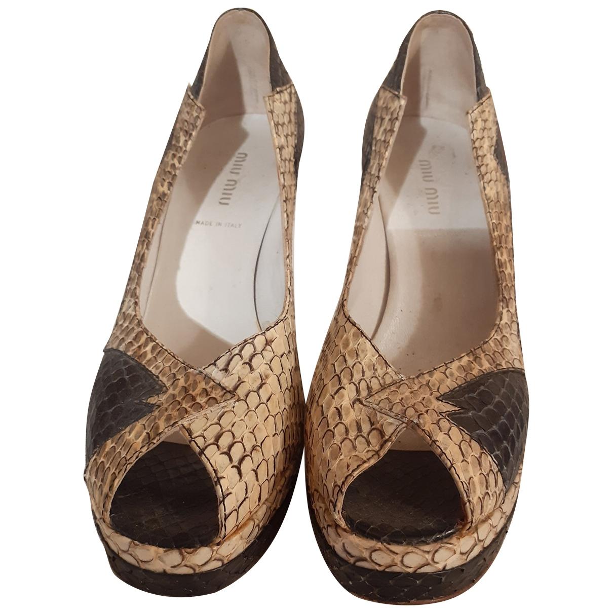 Miu Miu - Escarpins   pour femme en python - beige