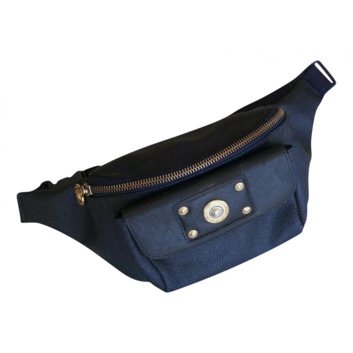 Gianni Versace \N Handtasche in  Blau Leinen