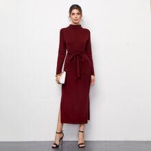 Pullover Kleid mit Rollkragen, seitlichem Schlitz und Selbstguertel