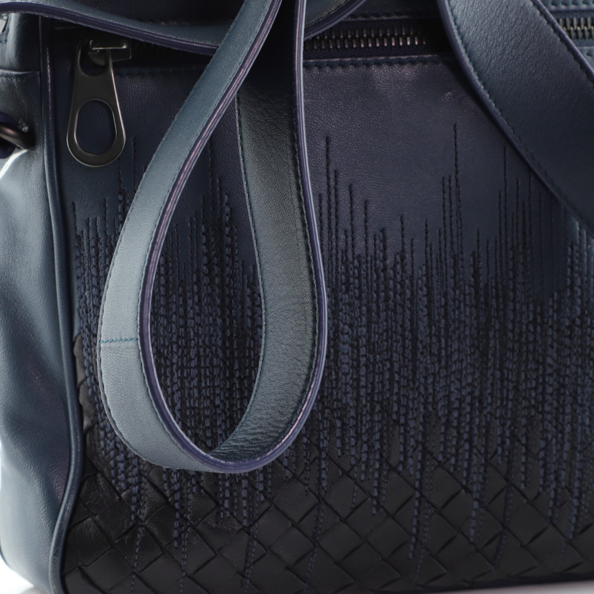 Bottega Veneta \N Blue Leather handbag for Women \N