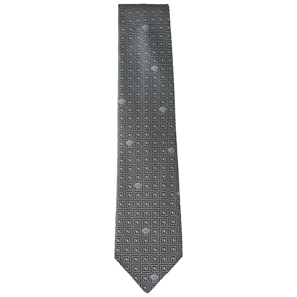 Versace \N Krawatten in  Silber Seide