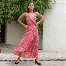 Cami Kleid mit Gaensebluemchen Muster und Rueschen