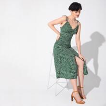 Kleid mit Knoten Traeger, Knopfen vorn und Schlitz