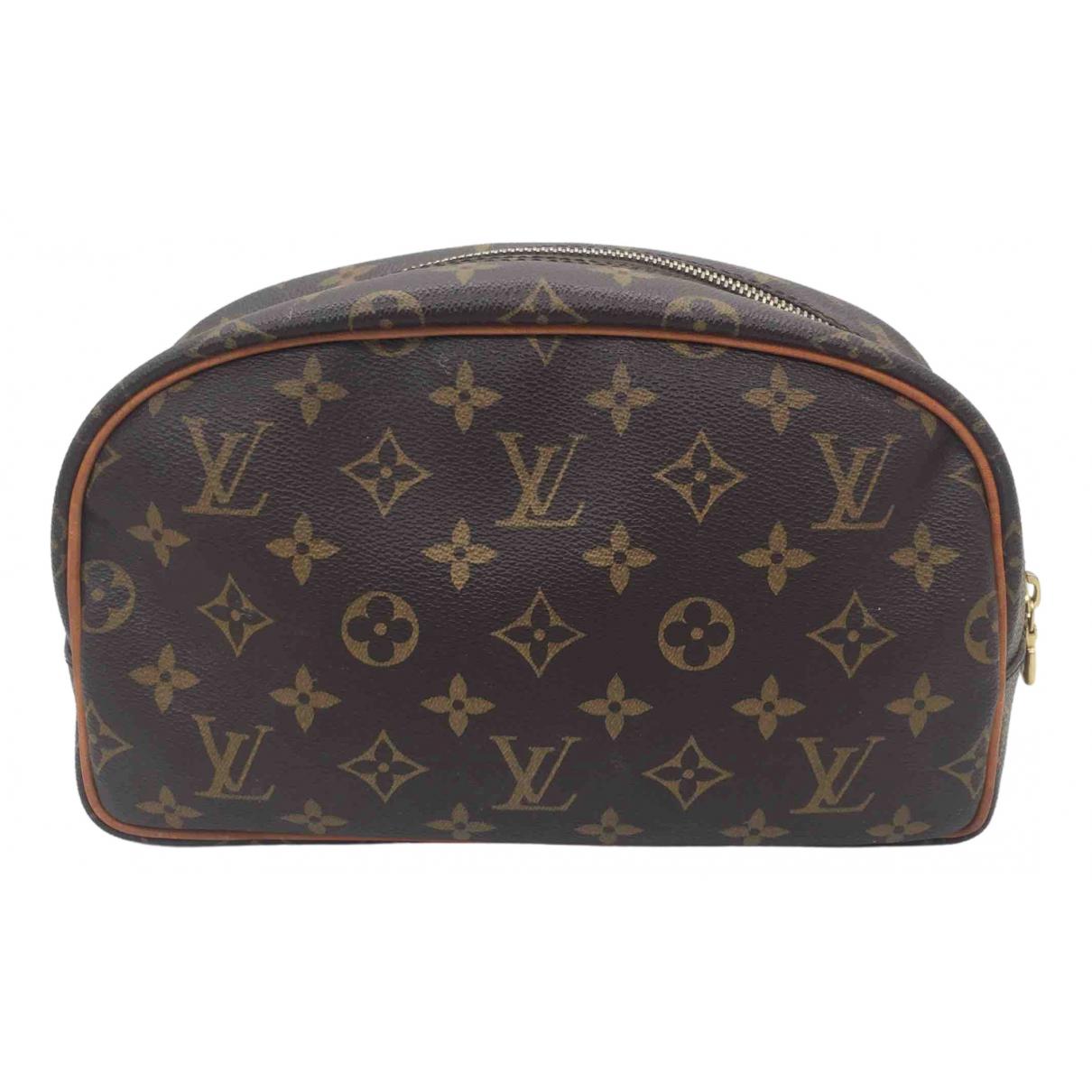 Louis Vuitton \N Mode Braun