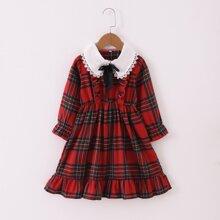Babydoll Kleid mit Karo Muster und Rueschenbesatz