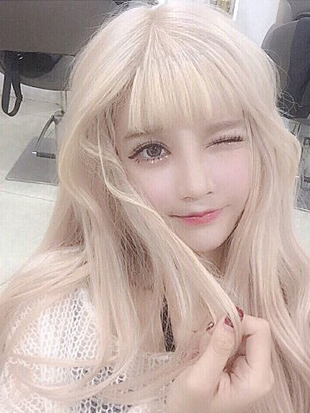 Milanoo Sweet Lolita Wigs Long Blond Curly Synthetic Lolita Wig With Blunt Fringe