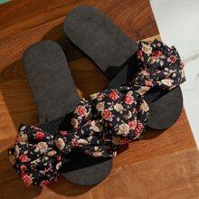 Hausschuhe mit Blumen Muster und Schleife Dekor