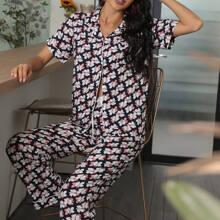 Schlafanzug Set mit Blumen Muster und Schleife vorn