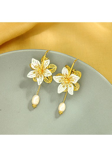 Mother's Day Gifts Gold Metal Flower Shape Pearl Detail Earring Set - One Size