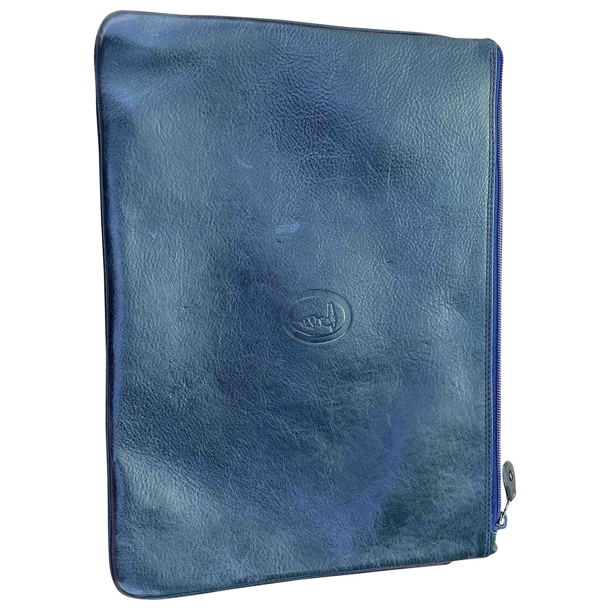 Trussardi \N Clutch in  Blau Leder