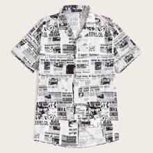 Maenner Hemd mit Zeitung Muster und Revers Kragen