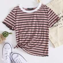 T-Shirt mit Kontrast am Kragen, gekraeuseltem Saum und Streifen