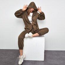 Hoodie mit Kaenguru Taschen, Reissverschluss & Jogginghose