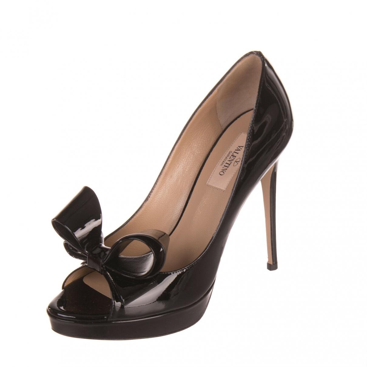Valentino Garavani - Sandales   pour femme en cuir verni - noir