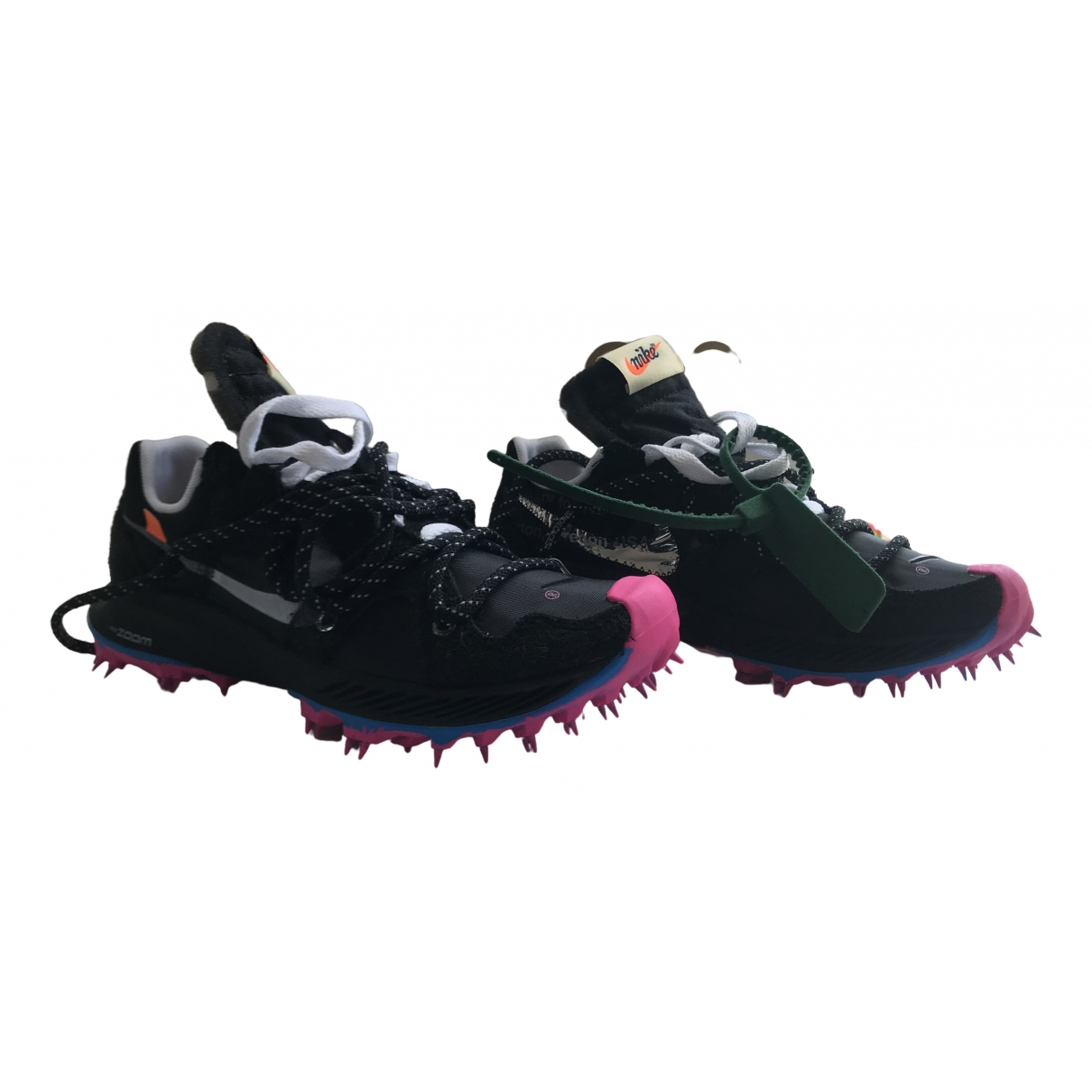 Nike X Off-white Zoom Terra Kiger 5 Sneakers in  Schwarz Polyester