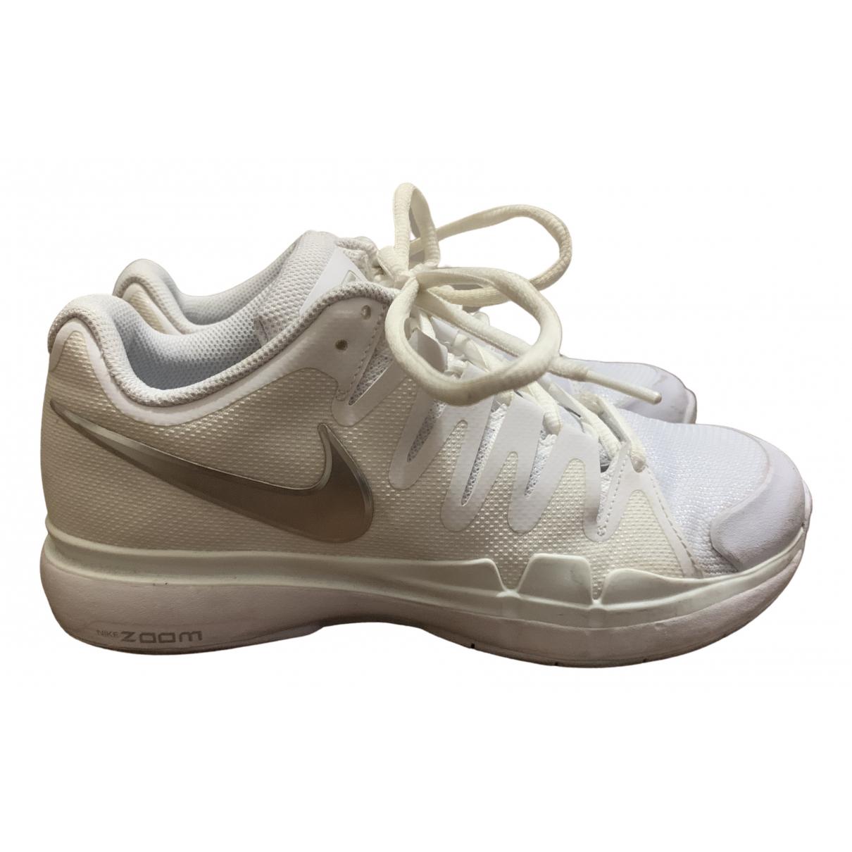 Nike Zoom Sneakers in  Weiss Kunststoff