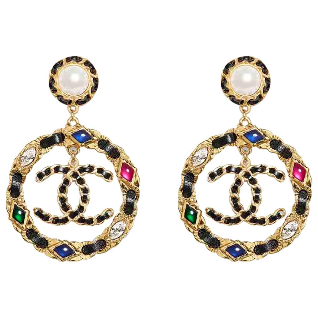 Chanel - Boucles doreilles CC pour femme en cuir - multicolore