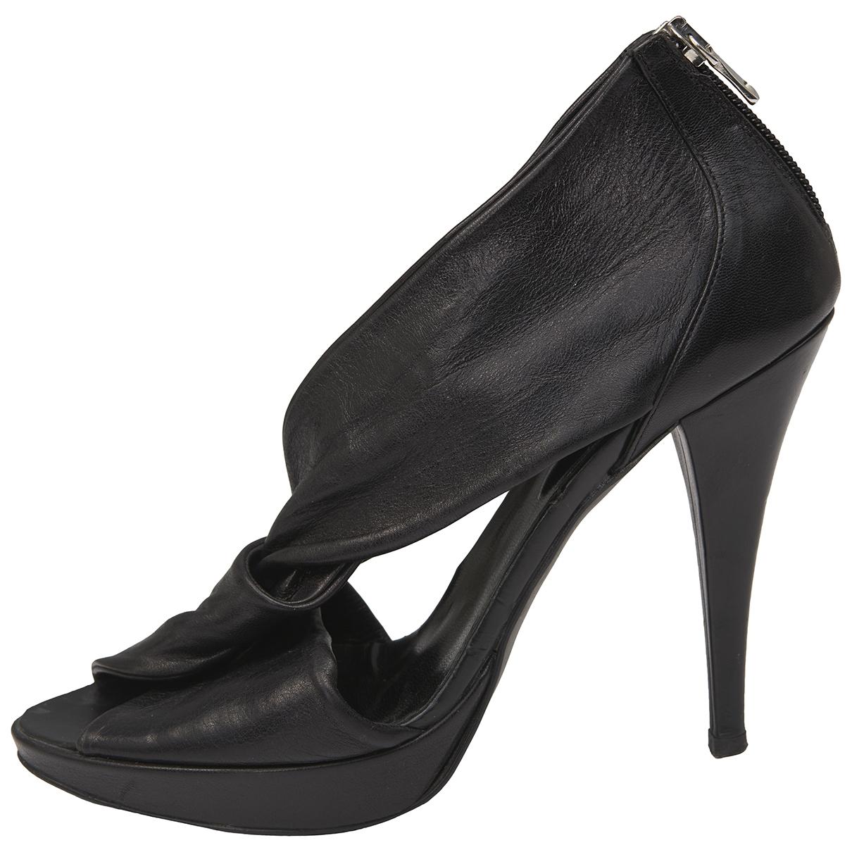 Ovye - Sandales   pour femme en cuir - noir