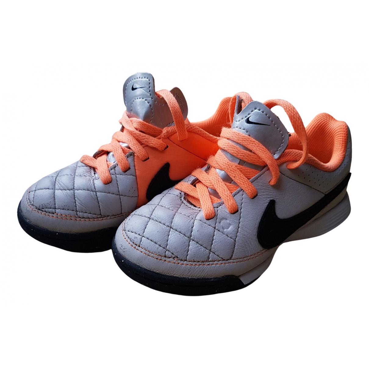 Nike - Baskets   pour enfant en cuir - orange