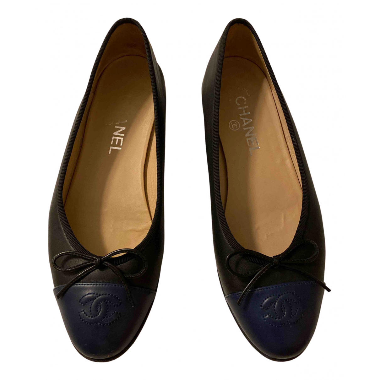 Chanel N Black Leather Ballet flats for Women 38.5 EU