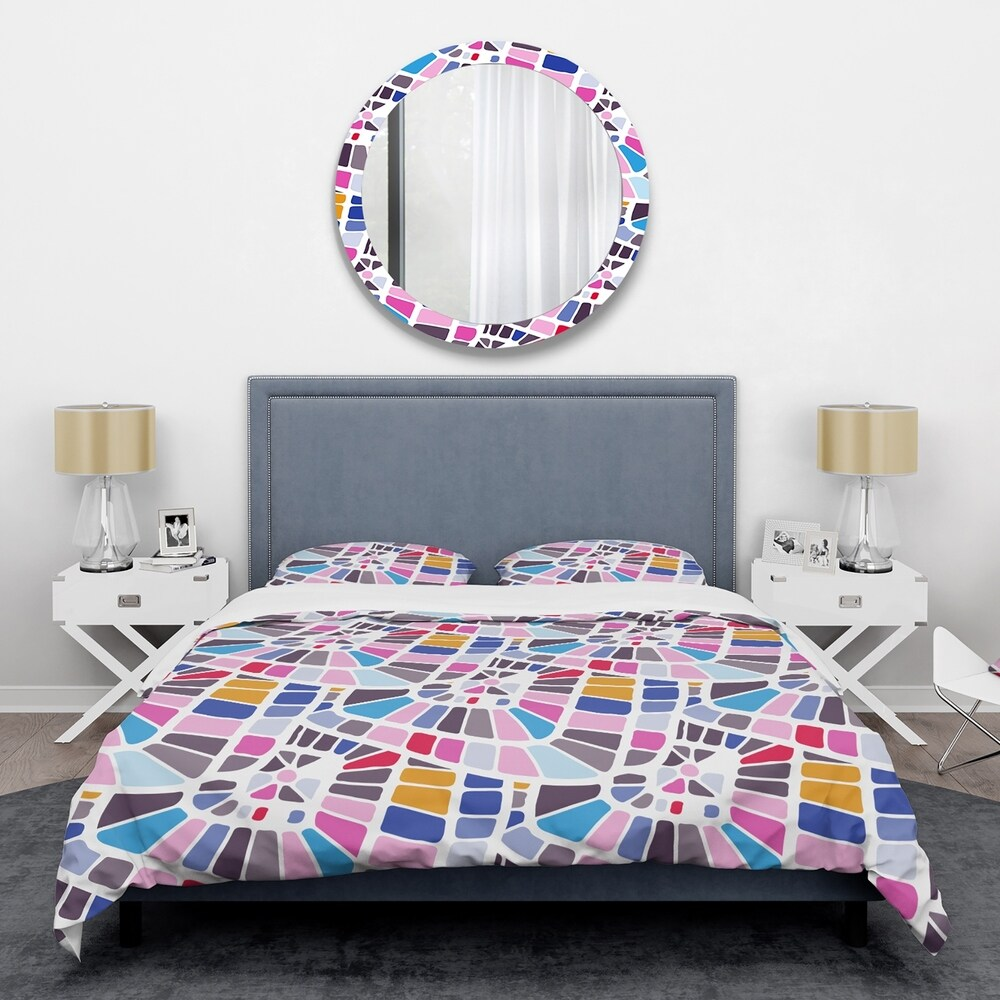 Designart 'Abstract Retro Geometric Pattern I' Mid-Century Duvet Cover Set (King Cover + 2 king Shams (comforter not included))