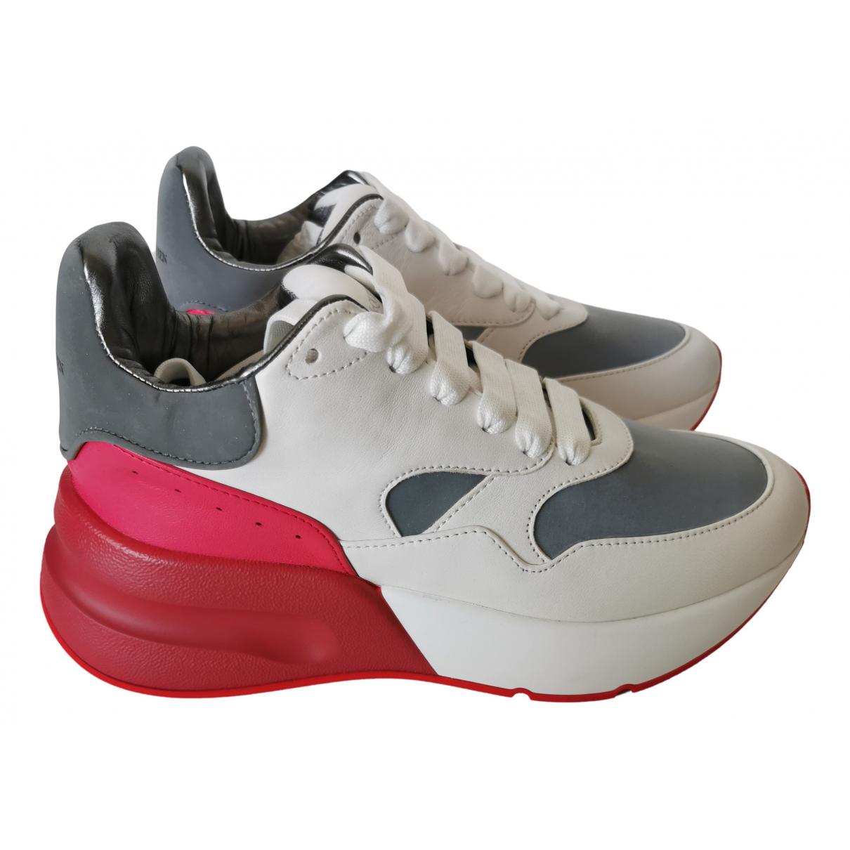 Alexander Mcqueen \N Sneakers in  Weiss Leder