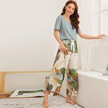Schlafanzug Set mit Blumen Muster und Band vorn