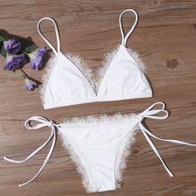 Bikini Badeanzug mit Wimpern Spitzenbesatz und seitlichem Band