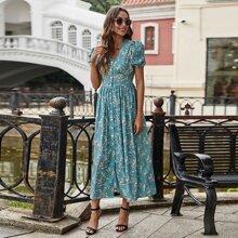 Kleid mit Bluemchen Muster, Knopfen und Puffaermeln