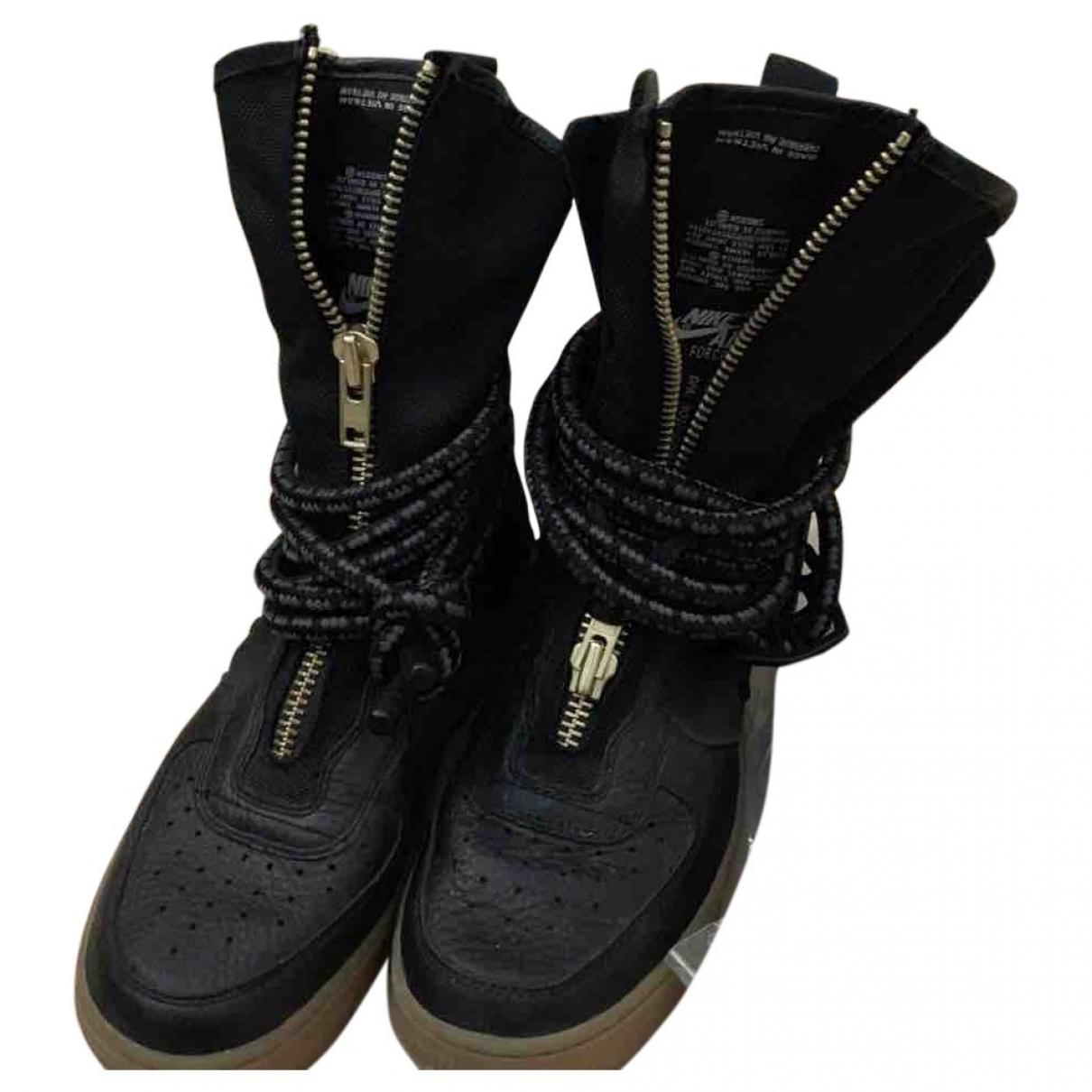 Nike - Baskets SF Air Force 1 pour femme en cuir - noir