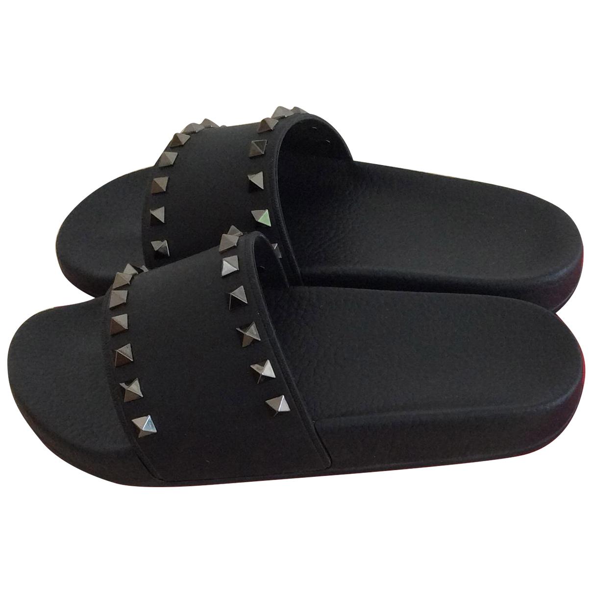 Valentino Garavani - Sandales Rockstud pour femme en caoutchouc - noir