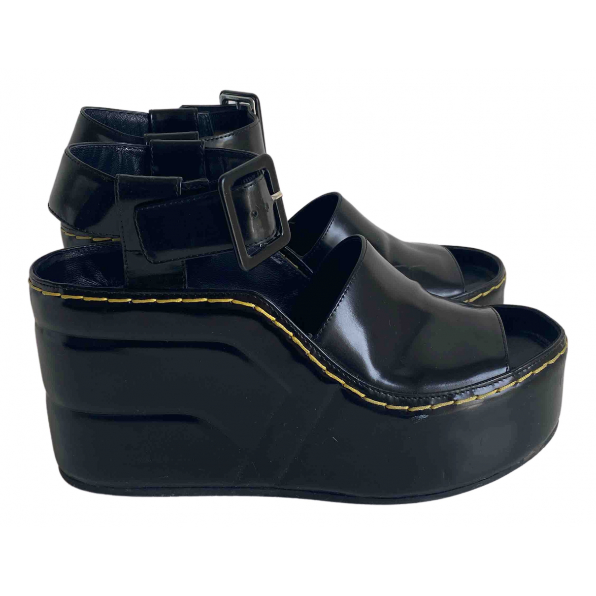Celine \N Sandalen in  Schwarz Lackleder