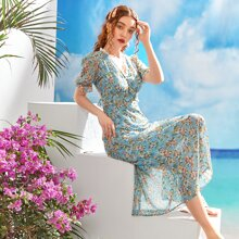 Kleid mit Spitzeneinsatz und Blumen Muster