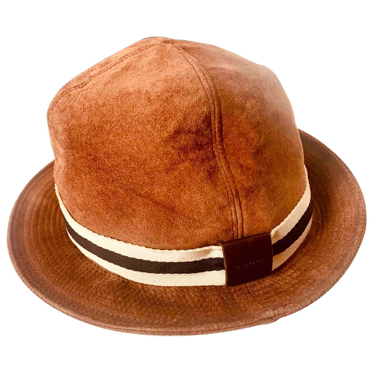 Sombreros en Ante Marron Gucci