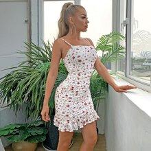 vestido floral bajo con fruncido con fruncido
